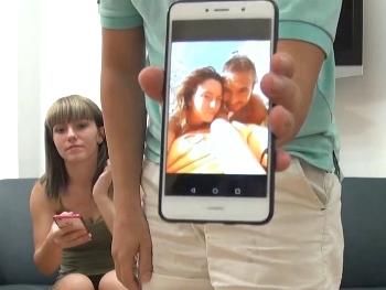 El jefe de ventas y la empleada calentorra: en un ascensor surgió el amor. Carlos (32) y María (22), ¡ay María!