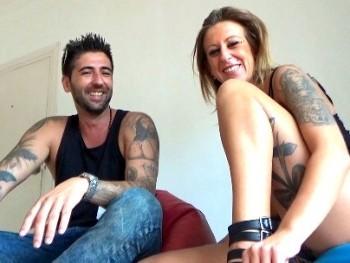 Adriana y David, fiesteros sevillanos nos enseñan como se lo montan.